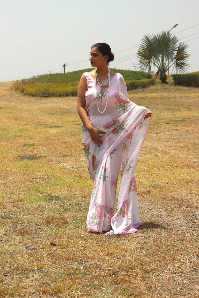 powder pink floral chiffon saree - pink paparazzi (2)