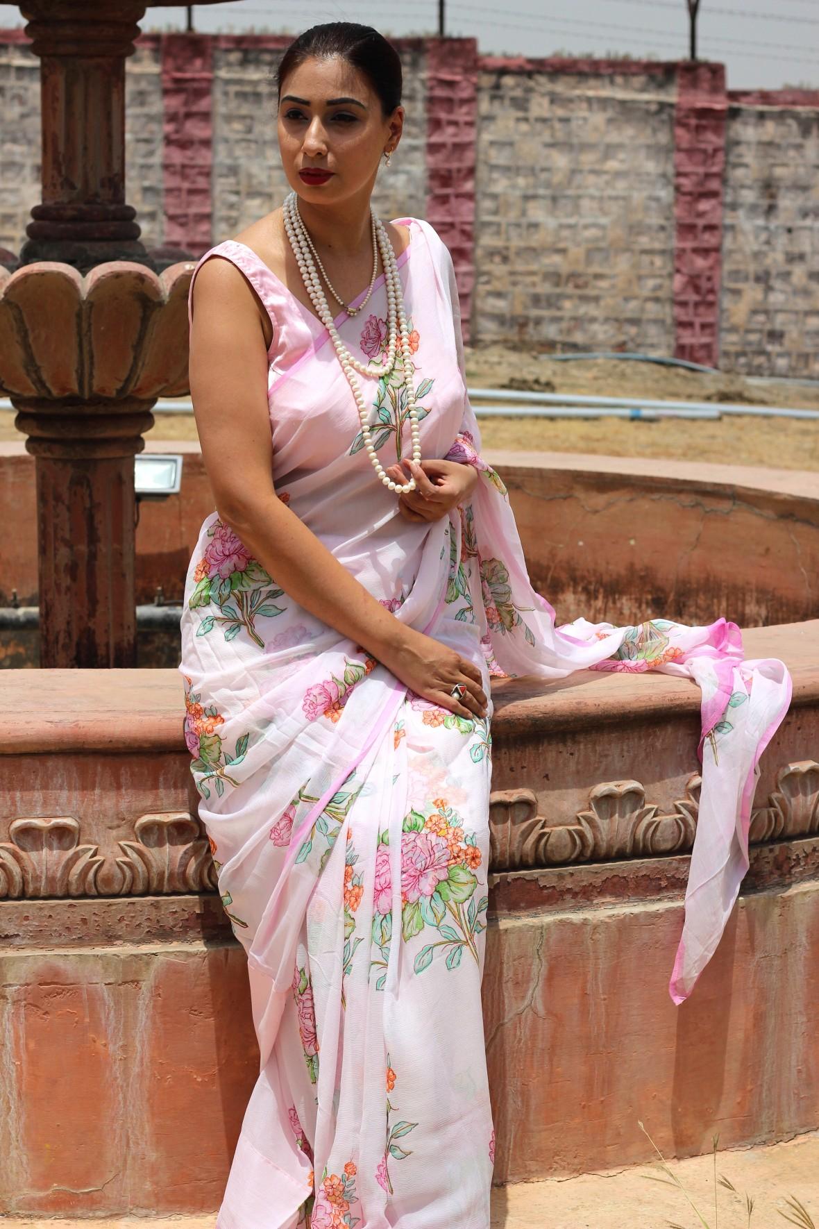 powder pink floral chiffon saree - pink paparazzi (4)