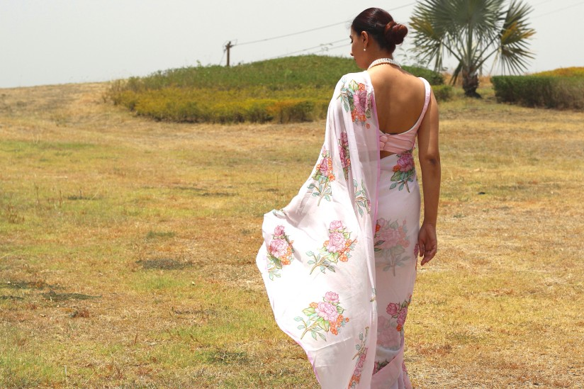powder pink floral chiffon saree - pink paparazzi (8)